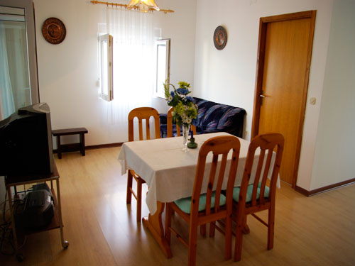 Apartment Frano A4 in Murter