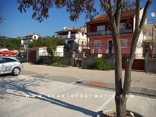 Apartment 4 bedrooms A8 in Jezera