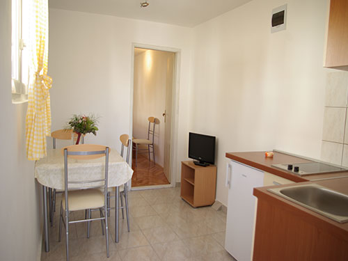 Apartment Slanica A2+1 in Murter