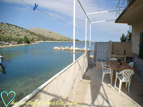 Apartment Jana Zut 6+1 in Kornati